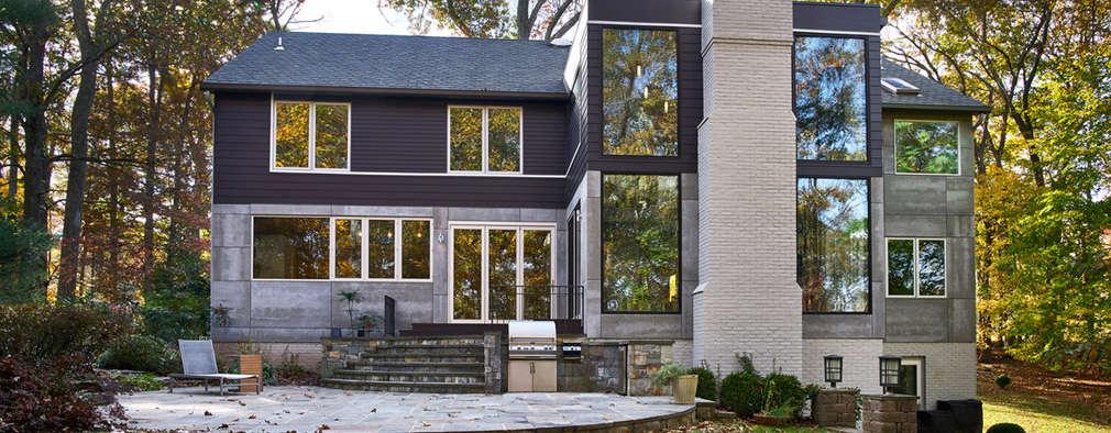 Smoky Quartz: modern Houses by KUBE Architecture