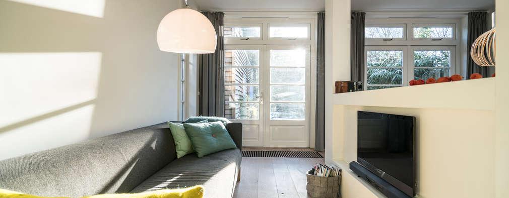Ruang Keluarga by Masters of Interior Design