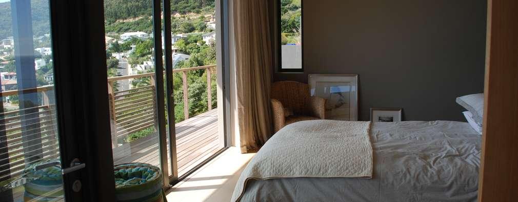 Projekty,  Sypialnia zaprojektowane przez Gallagher Lourens Architects