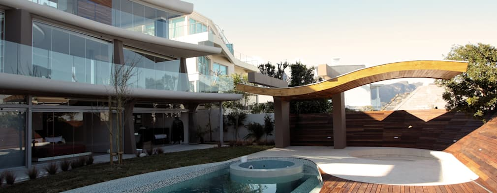Preller Clifton: modern Pool by DV8 Architects