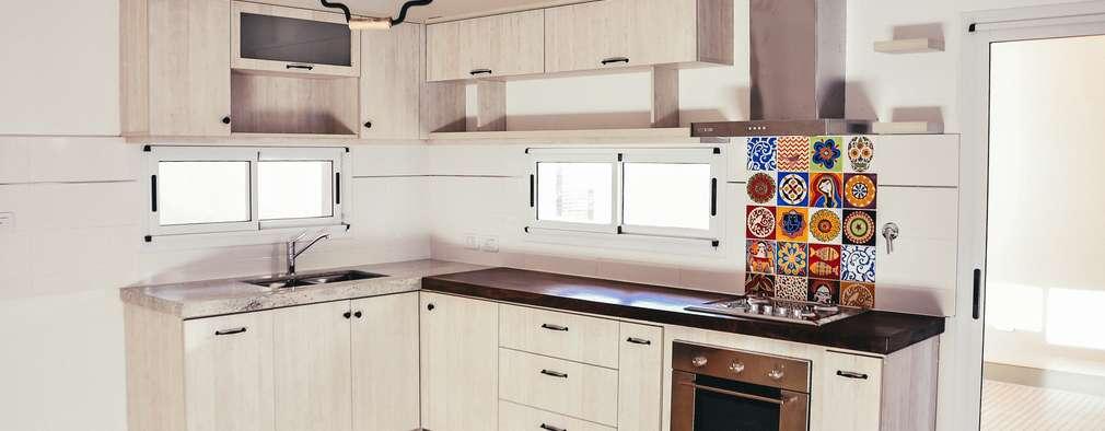 Cocinas de estilo moderno por Muebles del angel