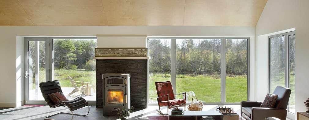 Living Area: modern Living room by ZeroEnergy Design