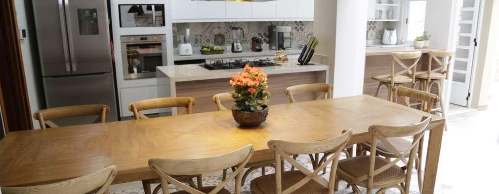 Cocinas de estilo moderno por Angelica Hoffmann Arquitetura e Interiores