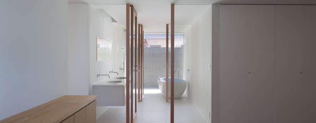 modern Bathroom by 森裕建築設計事務所 / Mori Architect Office