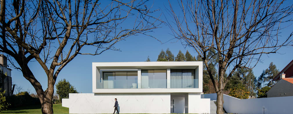 minimalistic Houses by Raulino Silva Arquitecto Unip. Lda