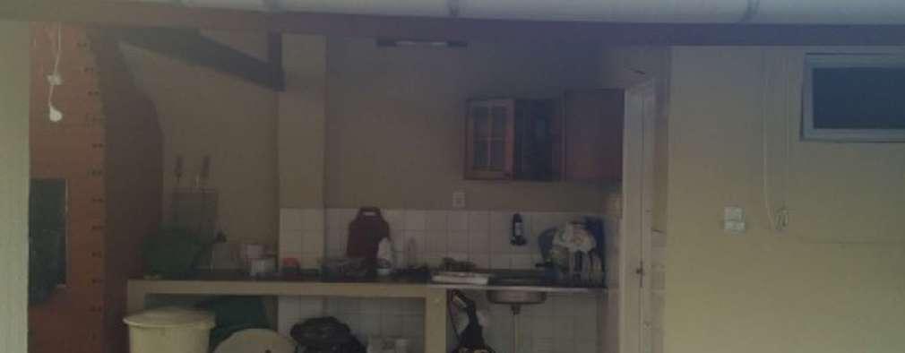 Edícula Particular: Garagens e edículas rústicas por Reinaldo Pampolha