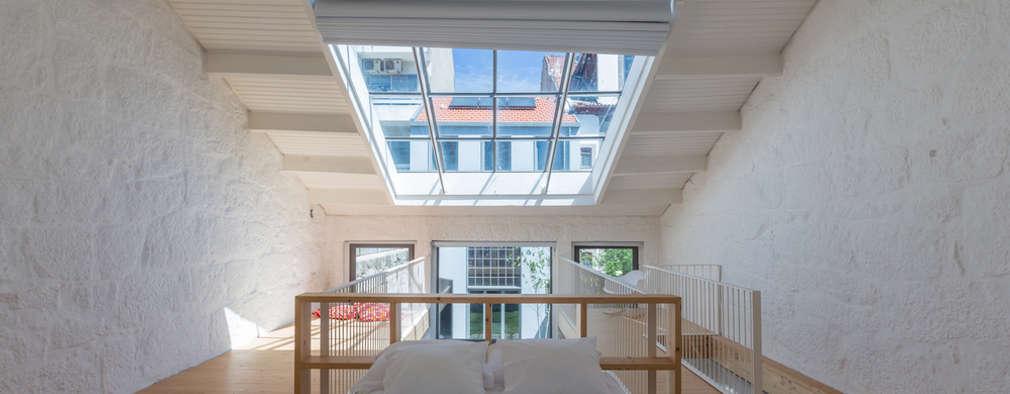 minimalistische Slaapkamer door a*l - alexandre loureiro arquitectos