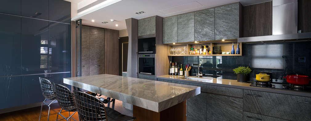 開放式廚房:  廚房 by 藻雅室內設計