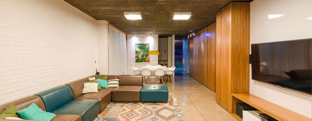 Phòng khách by Diego Alcântara  - Studio A108 Arquitetura e Urbanismo