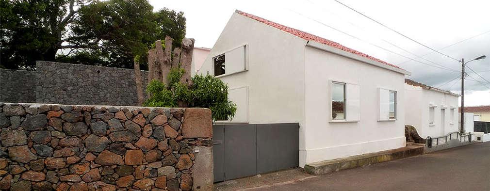 Projekty, nowoczesne Domy zaprojektowane przez Tiago Tomás Arquitecto