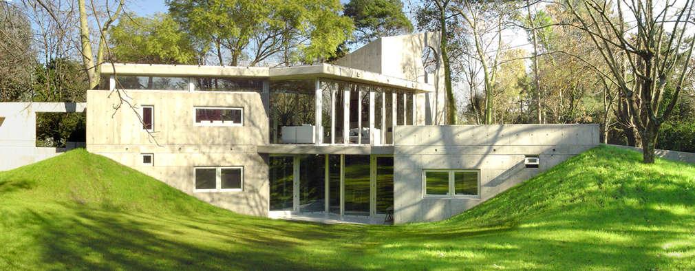 CASA  en C.U.B.A.: Casas de estilo moderno por MZM | Maletti Zanel Maletti arquitectos