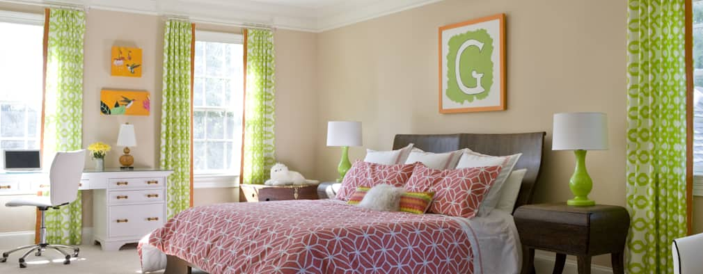 Next Generation - Tween's Room: classic Bedroom by Lorna Gross Interior Design