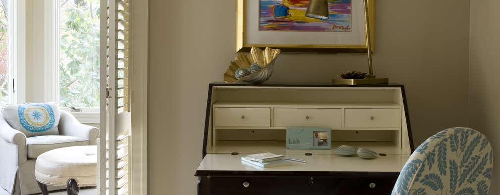 Спальни в . Автор – Lorna Gross Interior Design
