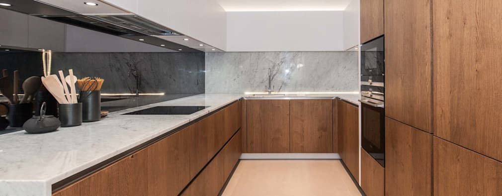 Newly Completed Installation - Exceptional Design : minimalistic Kitchen by PTC Kitchens