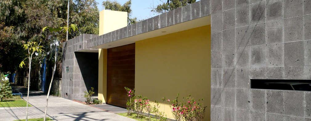 Can SeV: Casas de estilo moderno por Taller A3 SC