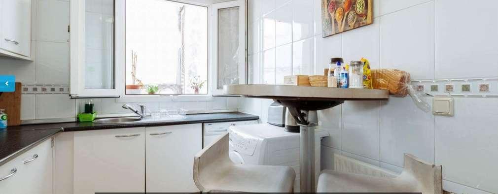 DESPUÉS: Cocinas de estilo mediterráneo de iProperty Design - Home Staging & Soluciones inmobiliarias