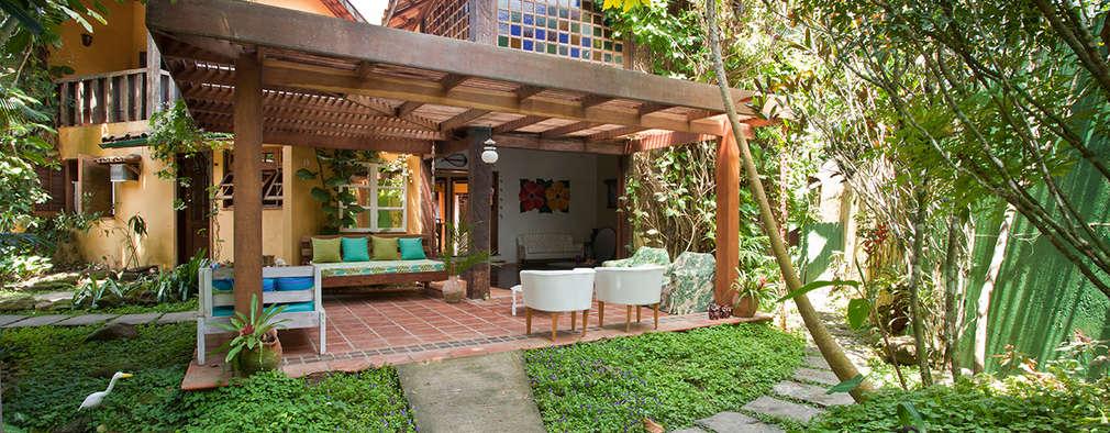 Case in stile in stile Tropicale di SET Arquitetura e Construções