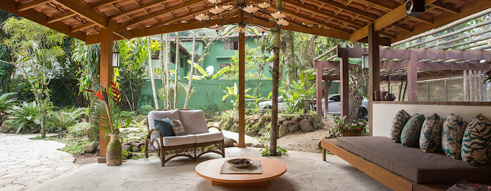 Tropical Living Room By SET Arquitetura E Construções