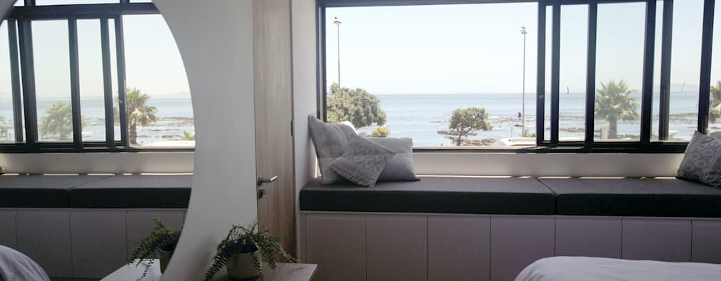Mouille Point Apartment: modern Bedroom by Kunst Architecture & Interiors