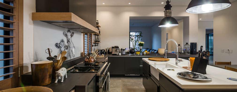 Modern Farmhouse - Silverlakes Nature Reserve: modern Kitchen by Karel Keuler Architects