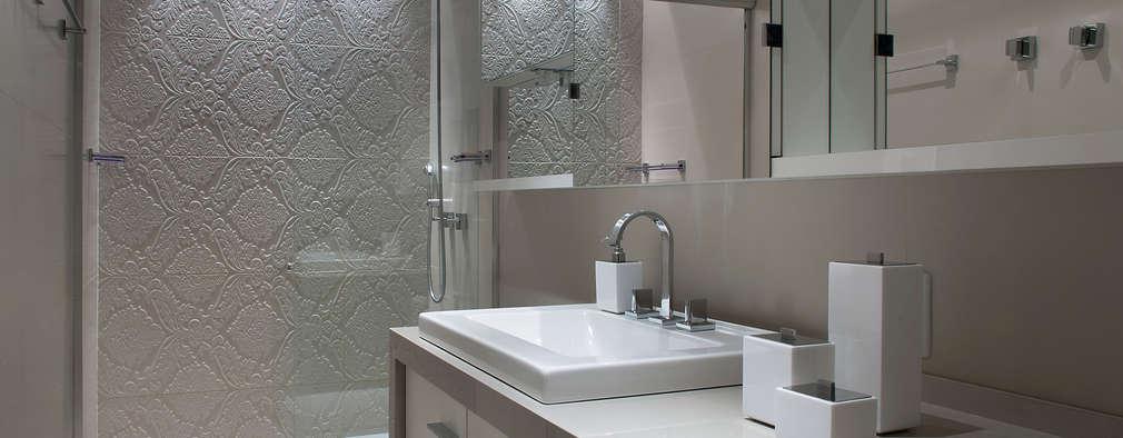 Banho Suíte: Banheiros modernos por Ana Maria Dickow                                           Arquitetura & Interiores
