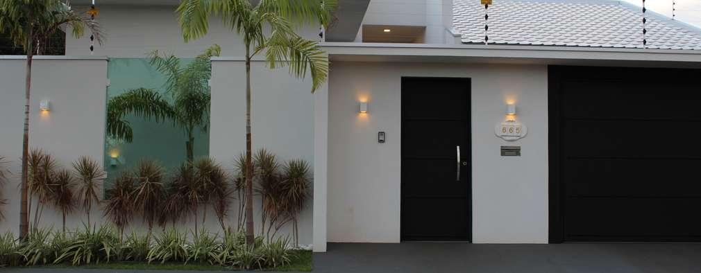 Fachada residencial: Casas modernas por Arquiteta Bianca Monteiro