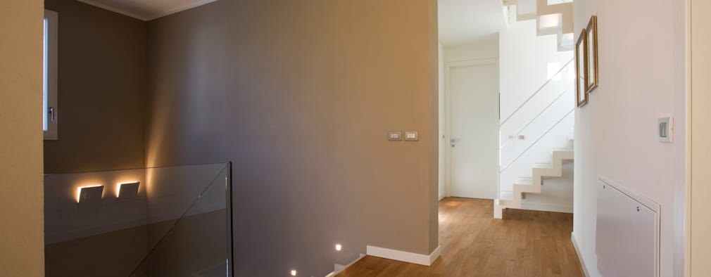 pasillos vestbulos y escaleras de estilo moderno de daniela nori