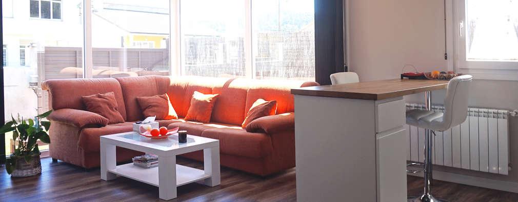 Гостиная в . Автор – Casas Cube