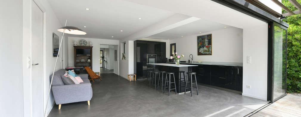 sentuhan modern di rumah gaya kolonial. Black Bedroom Furniture Sets. Home Design Ideas
