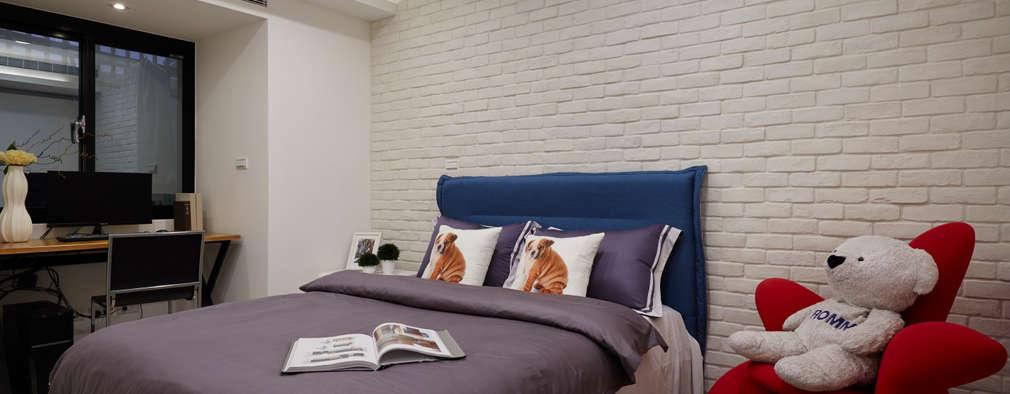 scandinavian Bedroom by 弘悅國際室內裝修有限公司