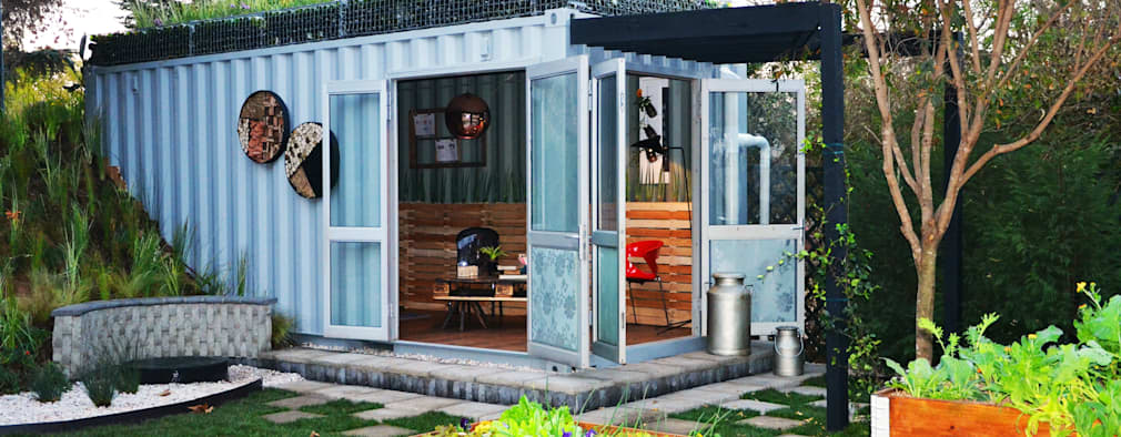 Container Garden space: industrial Houses by Acton Gardens