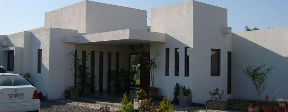 Casa Cerda: Casas de estilo moderno por AOG SPA