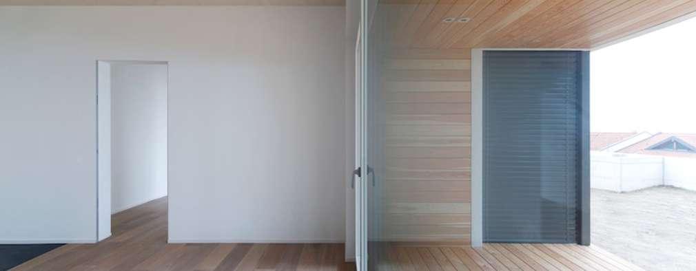 Projekty,  Salon zaprojektowane przez Studio Ecoarch