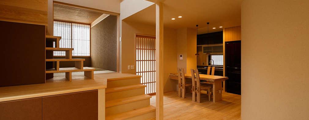 Phòng khách by 傳寶慶子建築研究所