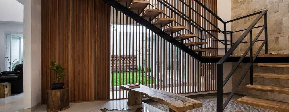 走廊 & 玄關 by e.Re studio architects