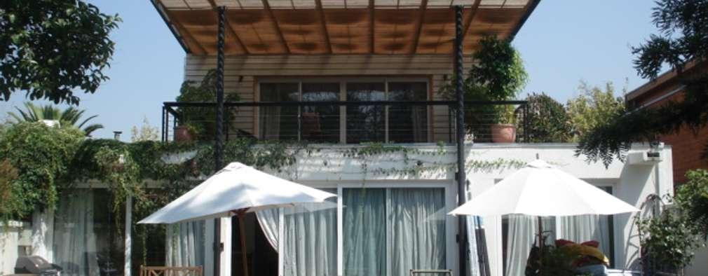 Nhà by [ER+] Arquitectura y Construcción