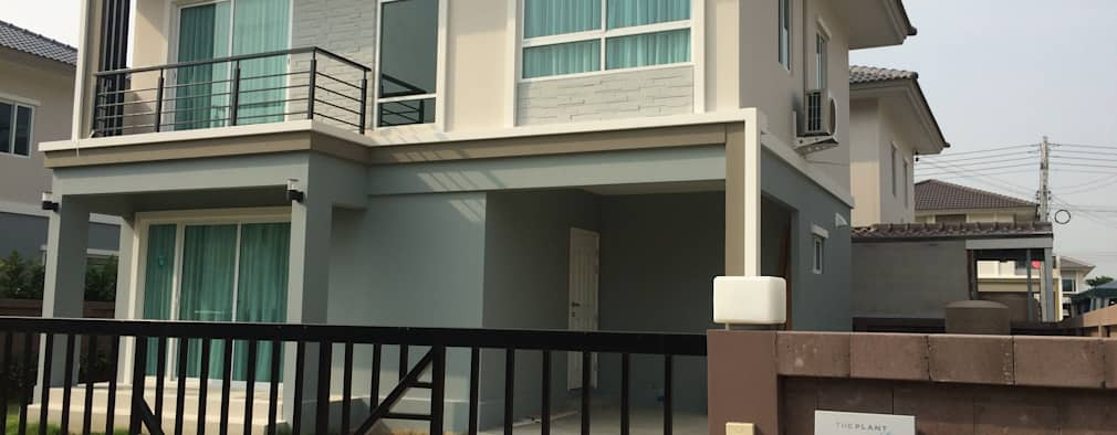 Rumah tinggal  by pyh's interior design studio