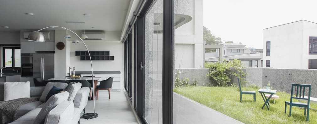 Ruang Keluarga by 行一建築 _ Yuan Architects