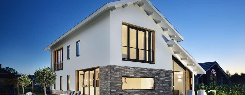 Rumah by BNLA architecten