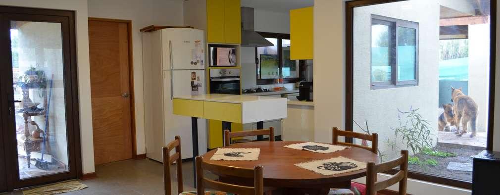 Phòng ăn by Qarquitectura