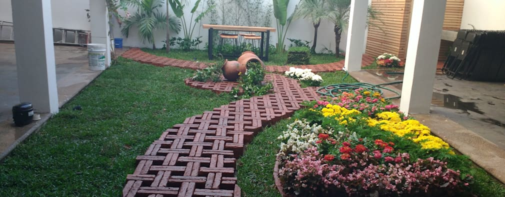 Lovely Jardines De Estilo Por [GM+] Arquitectos