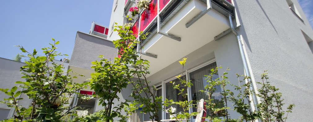 منزل عائلي كبير تنفيذ Architektur- und Ingenieurbüro Dipl.-Ing. Rainer Thieken GmbH