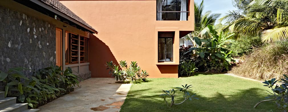Kashid House:  Bungalows by DCOOP ARCHITECTS