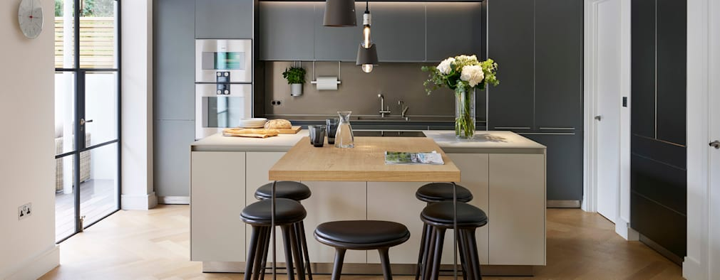 Timeless Living: modern Kitchen by Kitchen Architecture