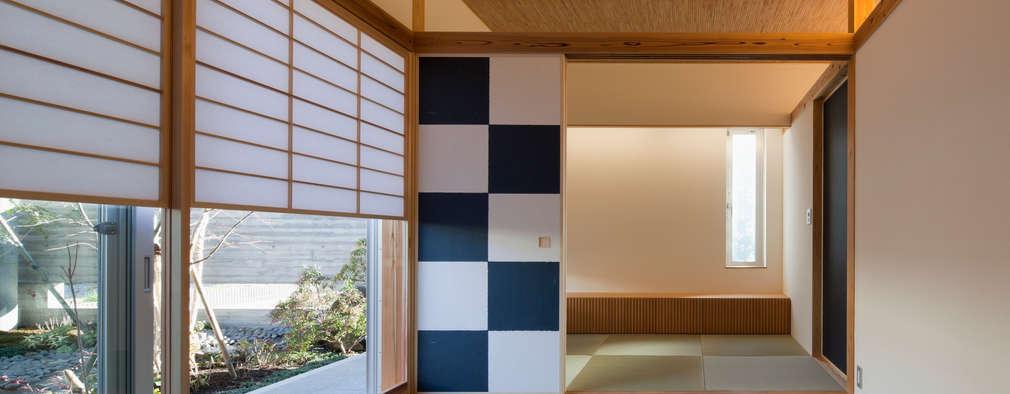 和室: 有限会社角倉剛建築設計事務所が手掛けた和室です。
