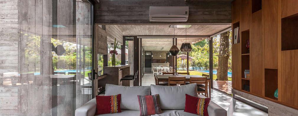 Casa Aranzazu: Livings de estilo moderno por Besonías Almeida arquitectos