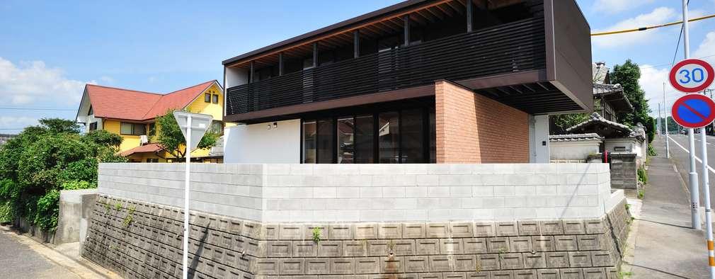 House-Sa: 伊藤憲吾建築設計事務所が手掛けた木造住宅です。