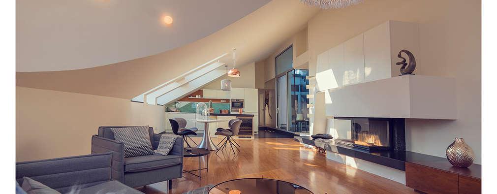 Salon de style de style Moderne par VIENNA HOME STAGING