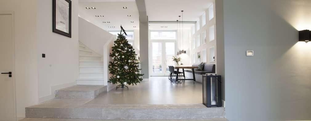 Escalier de style  par Thijssen Verheijden Architecture & Management