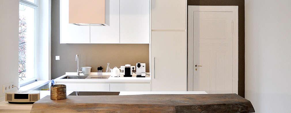 Q145: moderne Küche von Pizzeghello - Architekten Berlin